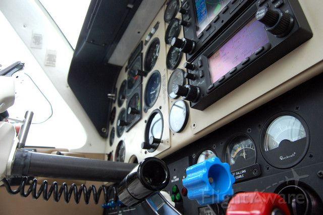 Beechcraft Bonanza (36) (N552CM) - The view looking up at the stack of my AOPA mentor pilot