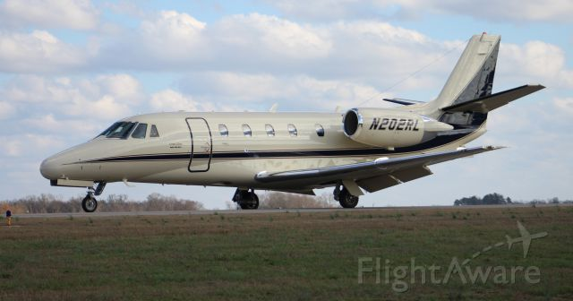Cessna Citation Excel/XLS (N202RL) - A Cessna Citation 560 Excel taxiing to the ramp at Pryor Field Regional Airport, Decatur, AL - January 20, 2017.