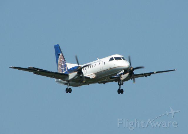 Saab 340 (N194CJ) - Landing on runway 5 at Shreveport Regional.