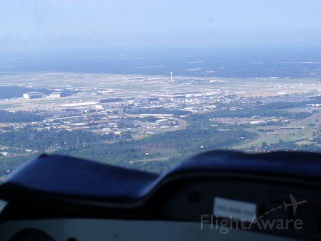 Cessna 152 (N184AK) - Fedex Main Hub