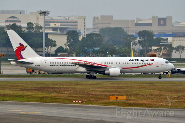 BOEING 767-300 (P2-PXW)