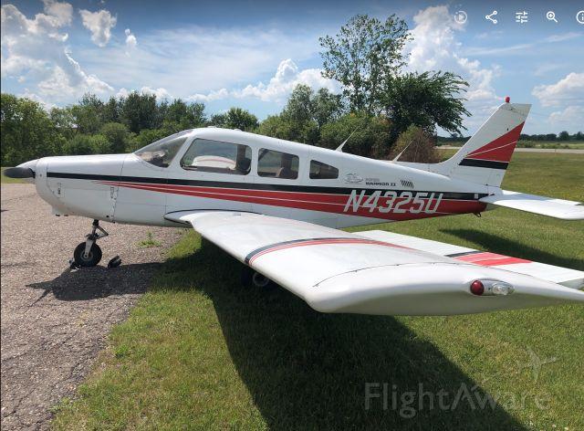Piper Cherokee (N4325U)