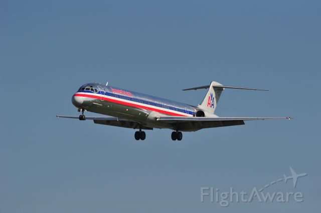 McDonnell Douglas MD-83 (N9616G) - American Airlines MD-83 on short final at Wichita Airport.