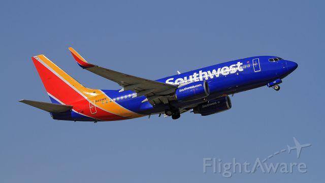 Boeing 737-700 (N412WN)