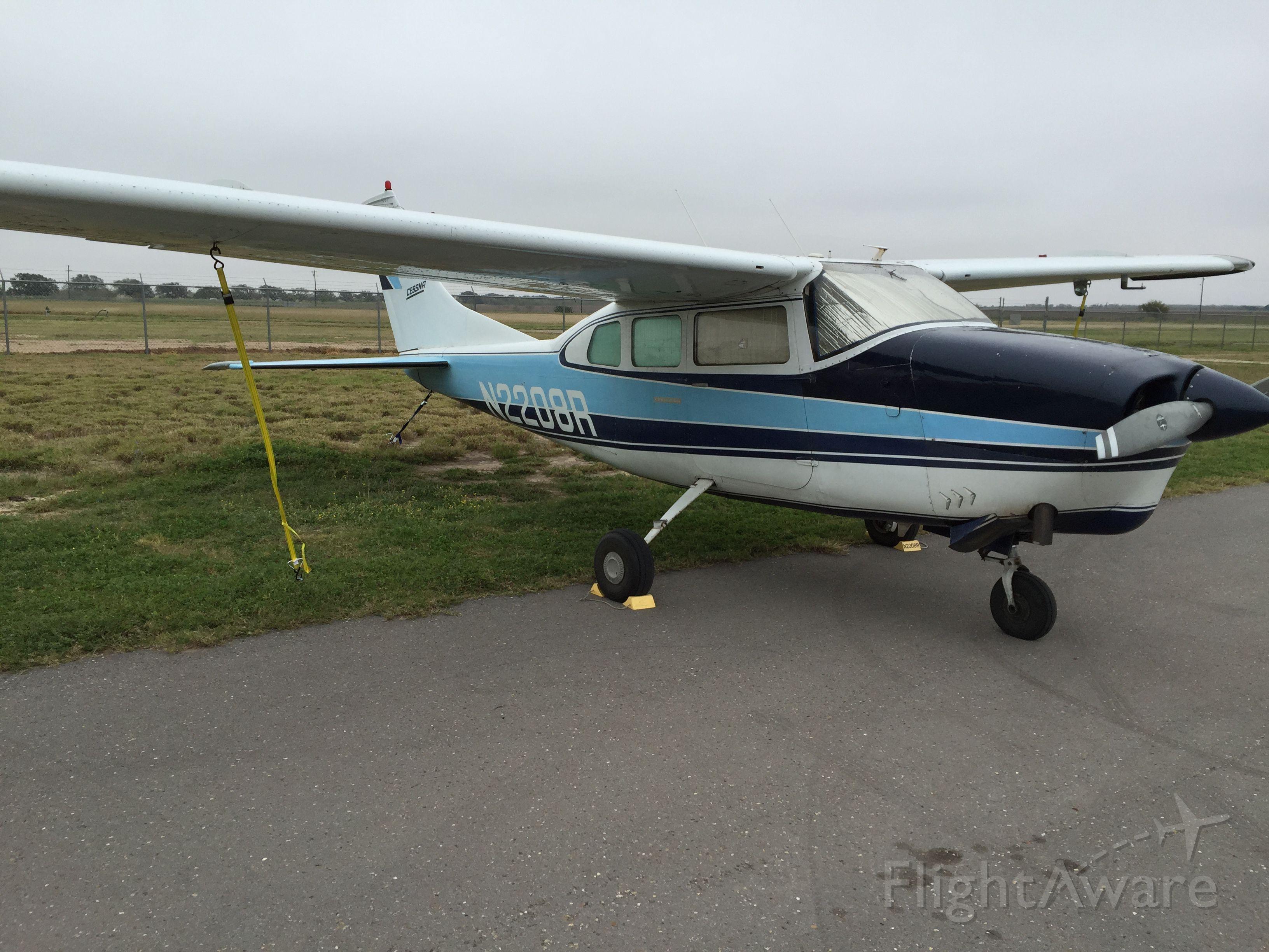 Cessna Centurion (N2208R)
