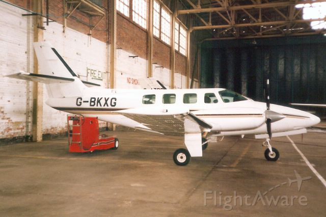 Cessna T303 Crusader (G-BKXG) - Seen here on 28-Sep-90.<br /><br />Reregistered N385AT 11-Aug-00,<br />then exported to Mexico 30-Oct-12.