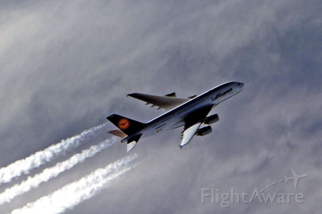 — — - A380 passing below us over Atlantic east to west Dec 2011 - A380 flying approx .86 FL40
