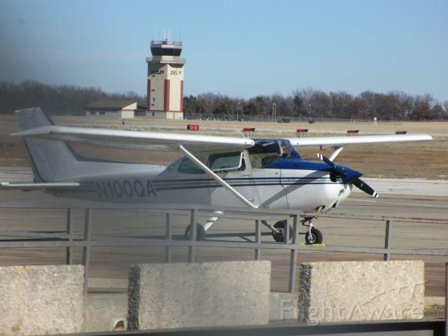 Cessna Skyhawk (N100QA) - @Joplin on 24 JAN 2015.