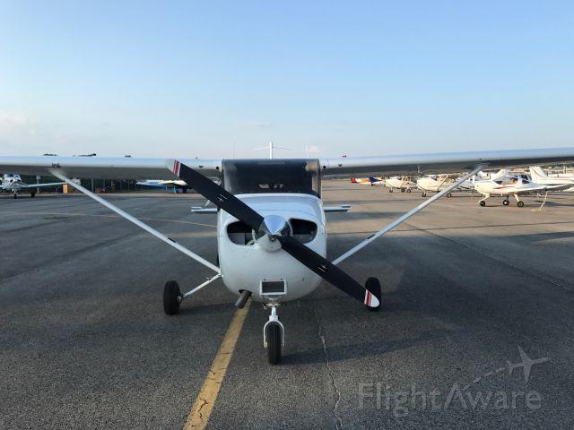 Cessna Skyhawk (N53AA)