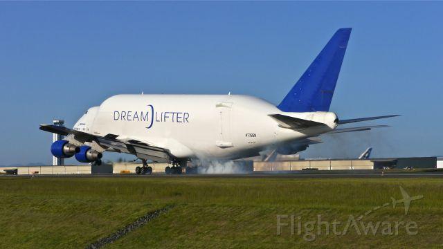 Boeing 747-400 (N718BA) - GTI4356 from KCHS makes tire smoke on landing Rwy 34L on 5/14/14. (LN:932 / cn 27042).