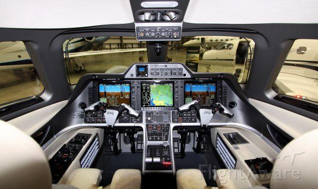 Embraer Phenom 300 (N454DR)