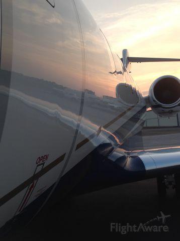 Bombardier Challenger 300 (N56BA) - Sunset