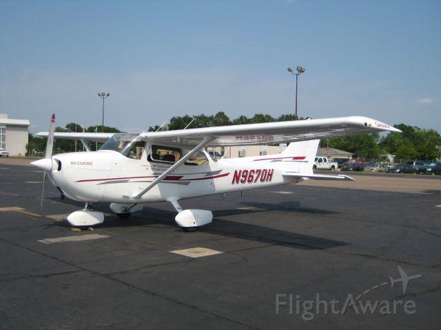 Cessna Skyhawk (N9670H)