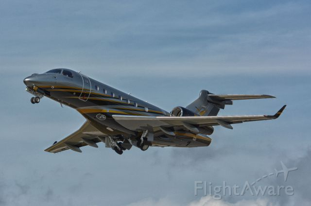 Embraer Legacy 550 (N1Y)