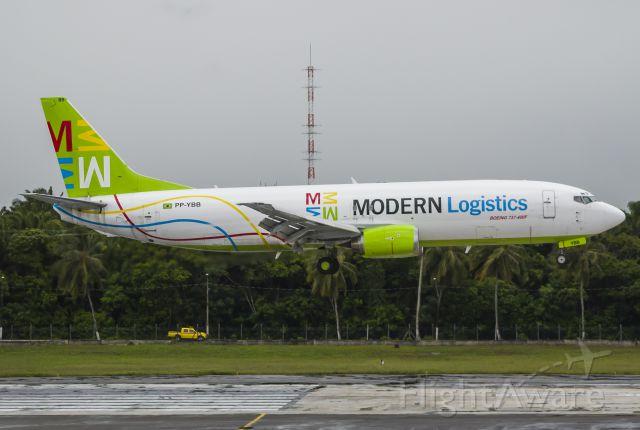 BOEING 737-400 (PP-YBB)