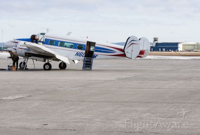 Beechcraft 18 (N6000M)