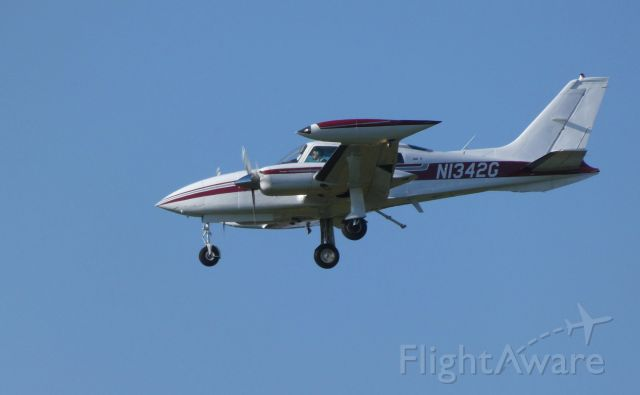 Cessna 310 (N1342G) - On final is this 1974 Cessna 310R in the Autumn of 2018.