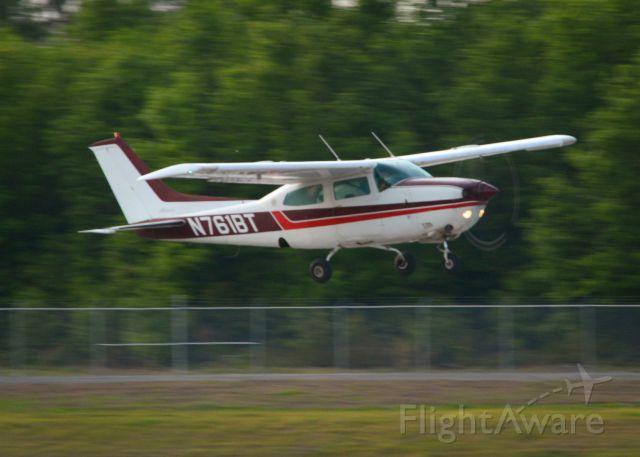 Cessna Skylane (N761BT) - 2014 Sun n Fun