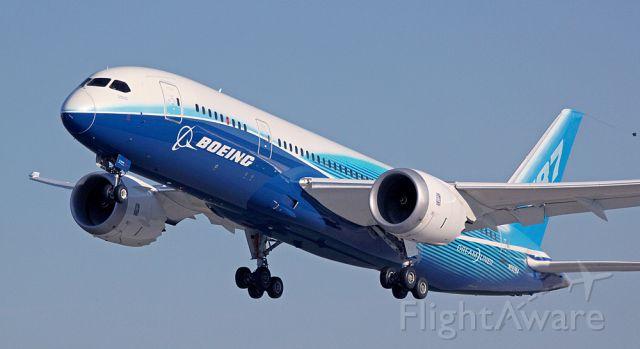 Boeing 787-8 (N787BA) - Boeings 787 Dreamliner departs OSH at the EAA fly-in.