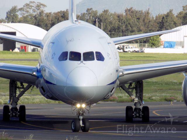 Boeing 787-8 (JA828A)