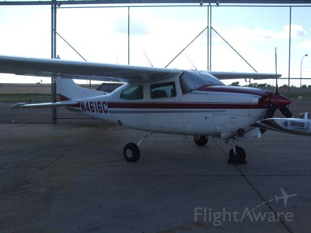 Cessna T210 Turbo Centurion (N4616C)