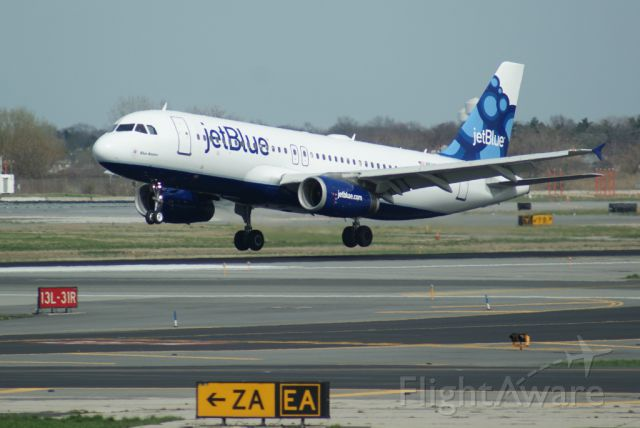 Airbus A320 (N527JL)