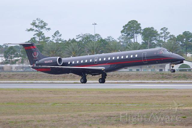 Embraer ERJ-145 (N500DE)