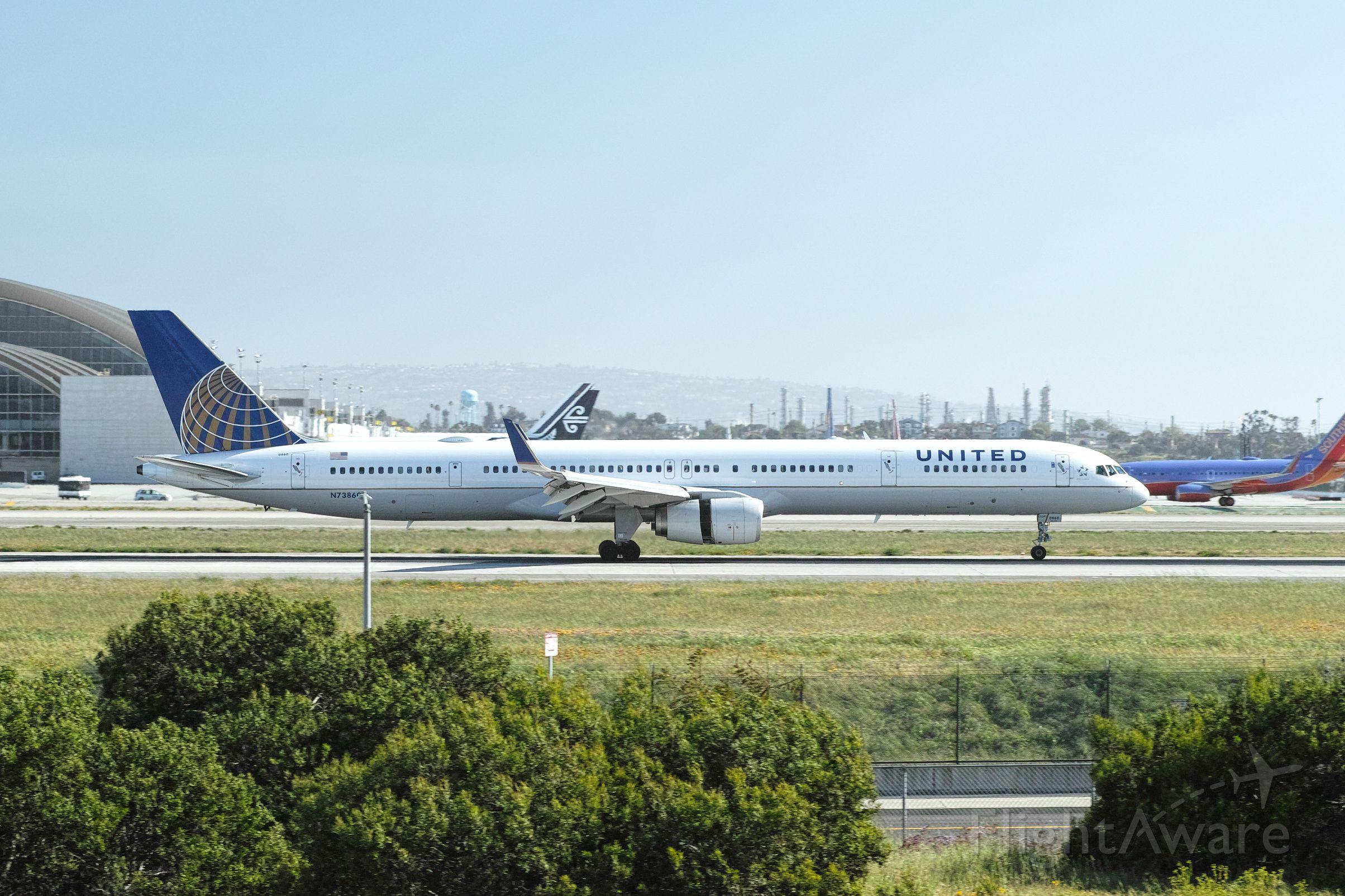 Boeing 757-200 (N73860)