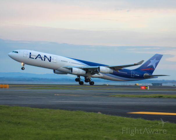 Airbus A340-300 (CC-CQF)