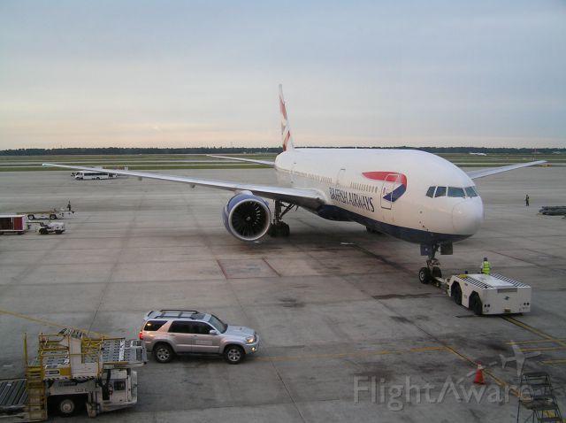 Boeing 777-200 (G-VIIC) - 2007-05-30 1857 CDT