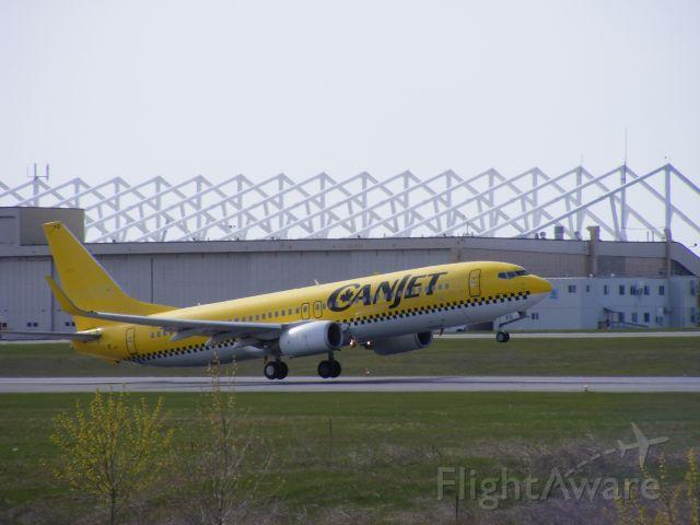 Boeing 737-800 (D-AHFO)