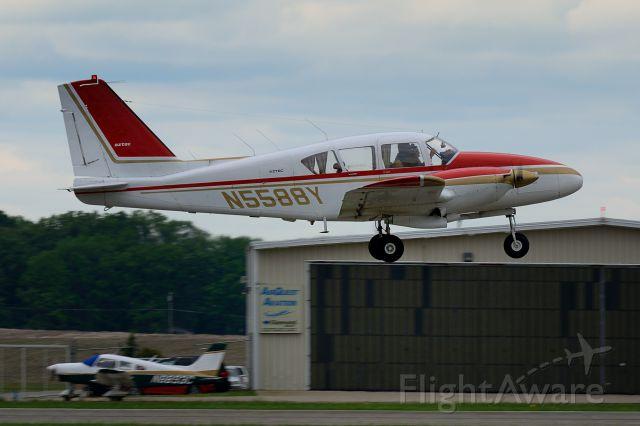 Piper Apache (N5588Y) - Departing Runway 8