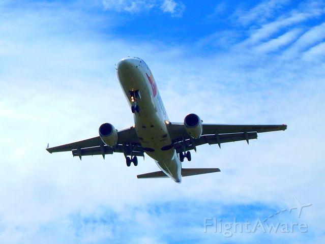 Embraer 170/175 (HK4528)
