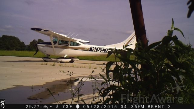 Cessna Skylane (N3235S) - Leaving out