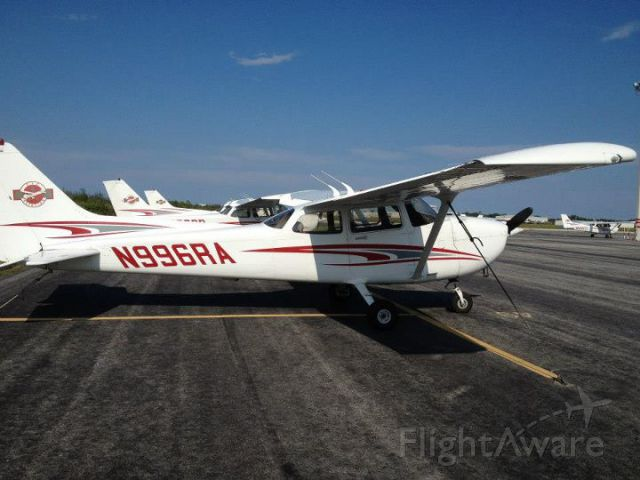 Cessna Skyhawk (N996RA) - on ramp at Melbourne International Airport, FIT Aviation.