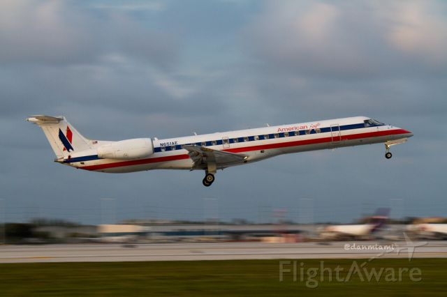 Embraer ERJ-145 (N651AE) - N651AE / EGF3493 arrival into KMIA from KCLT
