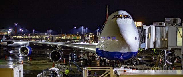 Boeing 747-400 (G-CIVO) - British Airways Speedbird 84 Boeing 747-436 at gate 55 at YVR preparing for the return to LHR
