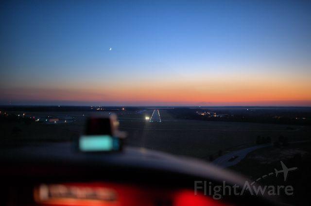 Cessna Skylane (N4714N) - trying out new 24 mm f/1.4 Nikon lens
