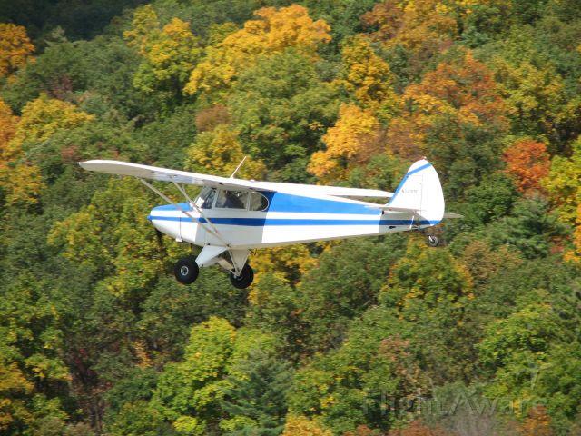 Piper PA-12 Super Cruiser (N3418M) - Leaving