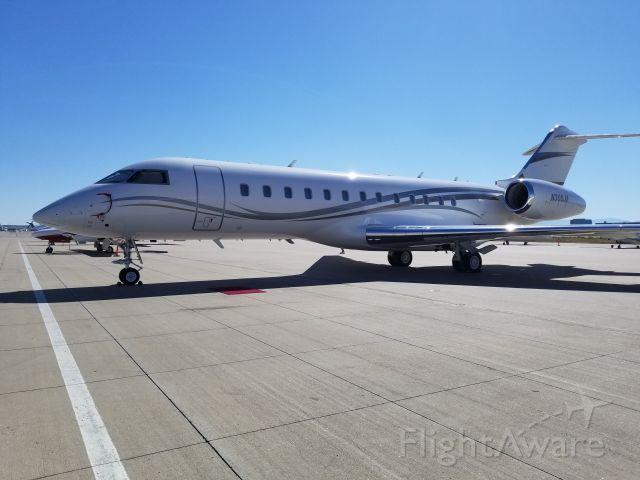 Bombardier Global Express (N300JA)