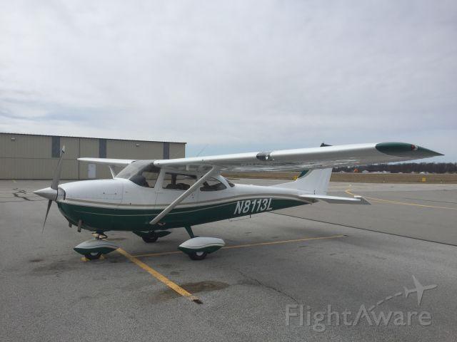 Cessna Skyhawk (N8113L)