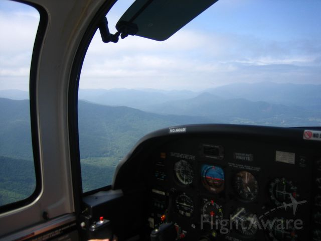 Grumman AA-5 Tiger (N929TE) - Crossing the Great Smokies!