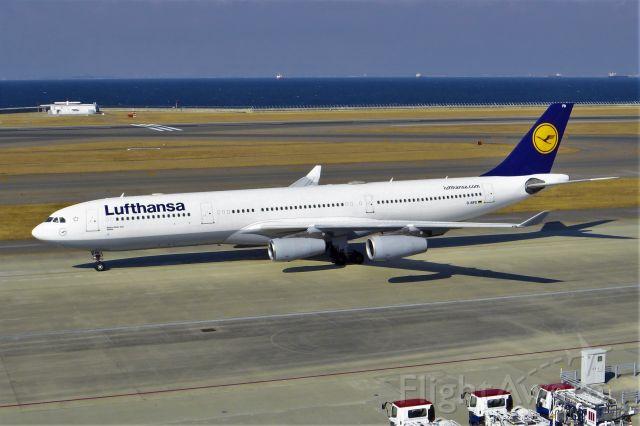 Airbus A340-300 (D-AIFD)