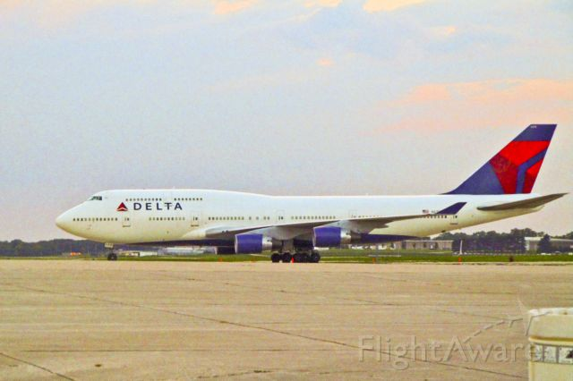 Boeing 747-400 (N675NW) - Parked at DSM for the Honor Flight to Washington, D.C. August 16, 2010.