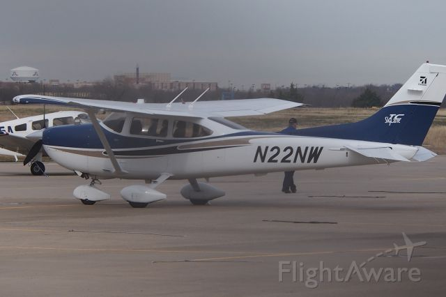 Cessna Skylane (N22NW)