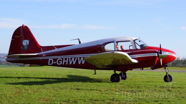 Piper Apache (D-GHWW) - Besucher