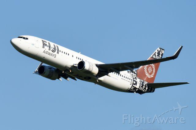 Boeing 737-700 (DQ-FJG)