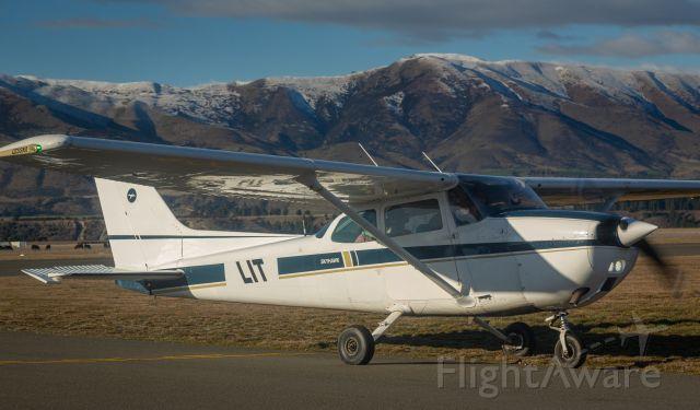 Cessna Skyhawk (ZK-LIT)