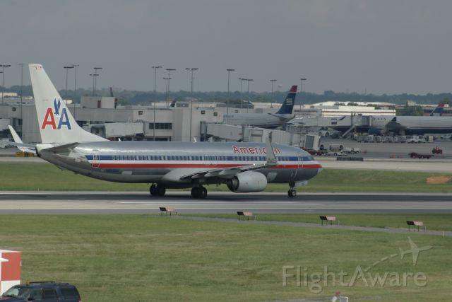 Boeing 737-800 (N889NN)