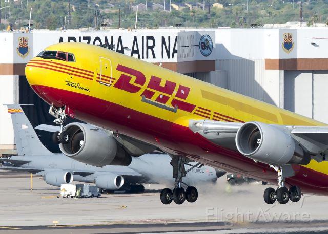 BOEING 767-200 (N656GT)